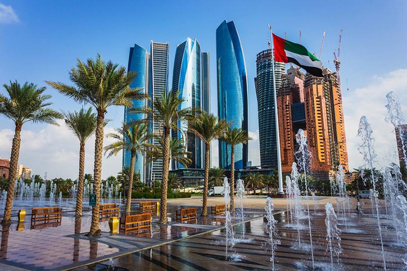 Куда поехать зимой. Абу-Даби: сколько стоит слово «Лувр», зачем ехать впустыню игде вмечети искать финики