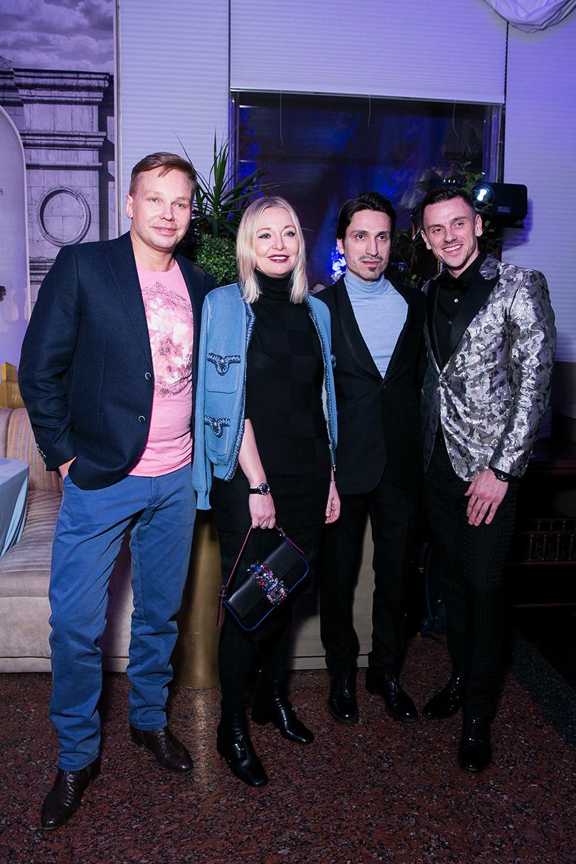 Эдгар Шабанов (Clarins) Виктория и Илья Давыдовы и Иван Беловолов (Clarins)