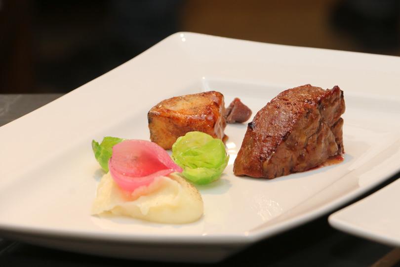 Филе говядины всоусе изсычуаньского перца схрустящим баклажаном