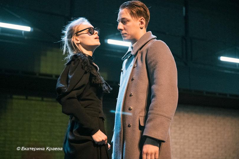 Бег наместе: «Июльансамбль» представил новый спектакль «По-Чехову. Три сестры»