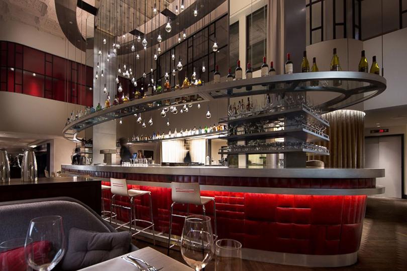 Банки превращаются: отели, бутики икартинные галереи вбывших банковских особняках инебоскребах. Чикаго, Virgin Hotels Chicago, 203N Wabash Ave