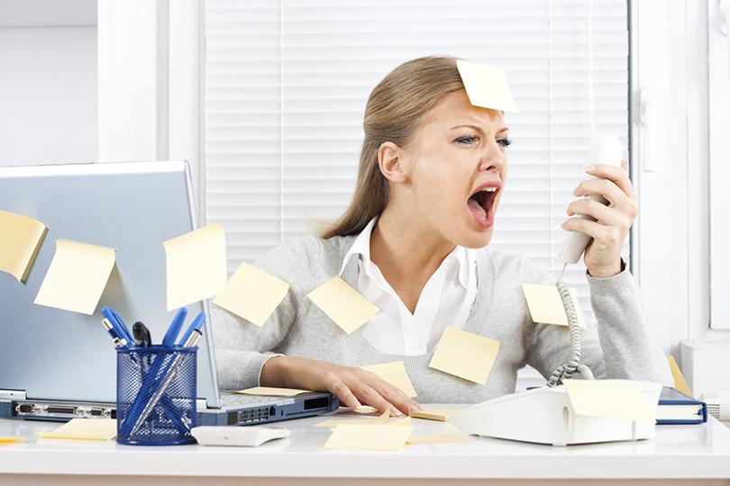 Ежедневно биться головой о стену, в любом состоянии, даже в нездоровом, приползать на работу, практически 24 часа в сутки жить в офисе, забывать про отпуска, не думать о родных и близких. Выживать, а не жить.