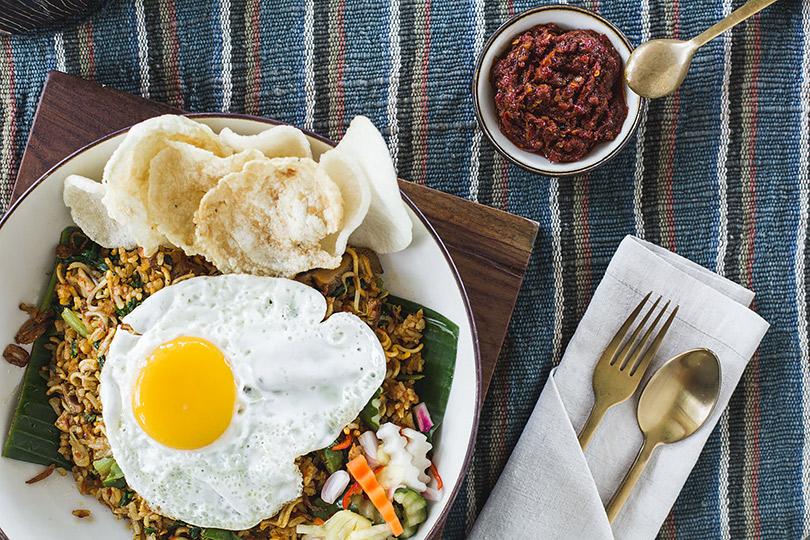 Впляжном клубе Potato Head Beach Club наБали заработал новый ресторан Kaum