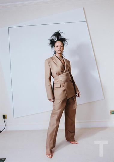 Рианна представила первую видеокампанию модного бренда Fenty