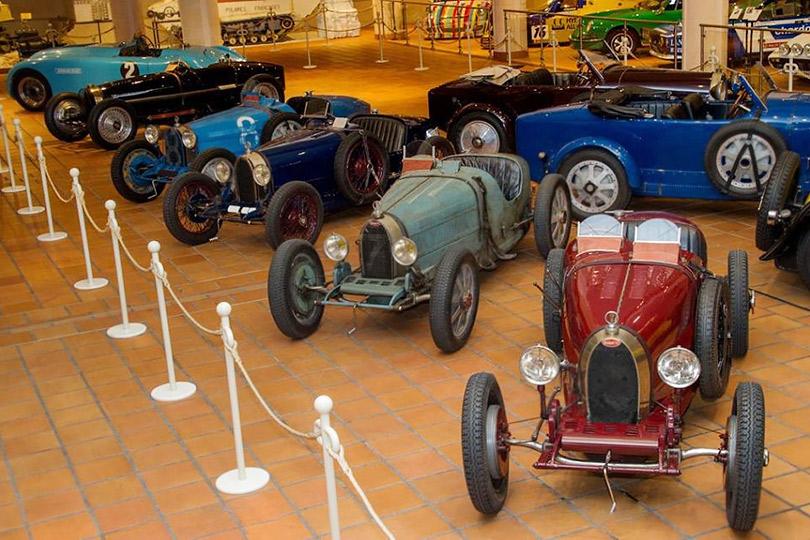 Выставка автомобилей Bugatti
