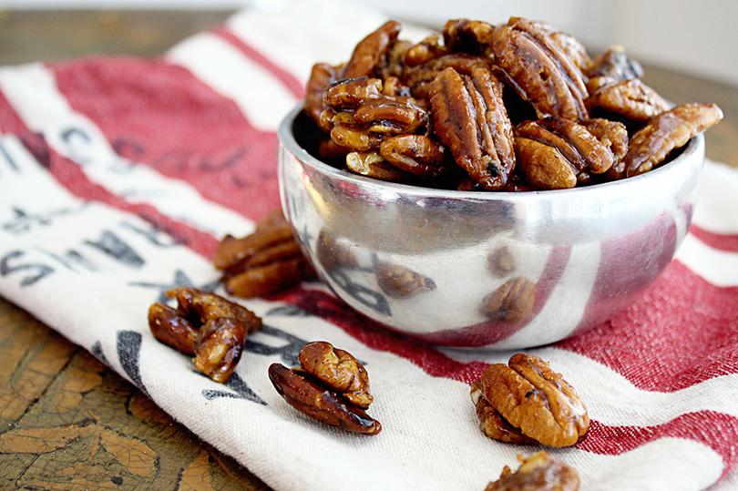 Орехи пекан соспециями