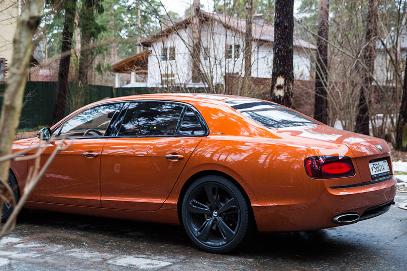 Cars with Jan Coomans. Bentley Flying Spur review— slightly mad royalty