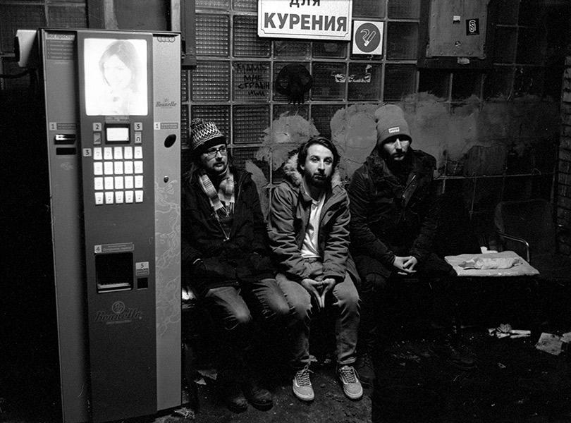 Независимые дизайнеры и актуальная музыка: в Москве пройдет выставка Faces & Laces. Jars
