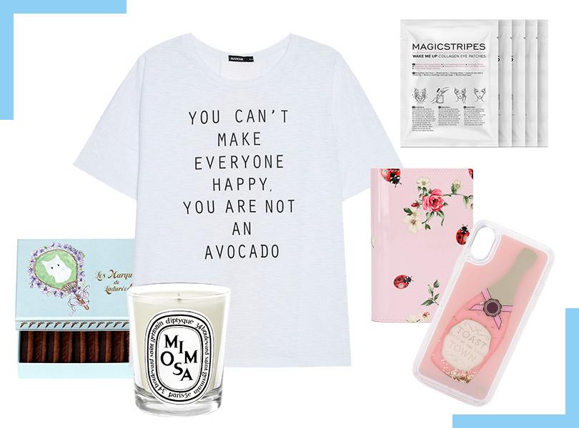 Базовая футболка, Manouk; шоколадные конфеты, Ladurée; свеча сароматом мимозы, Diptyque; патчи под глаза сколлагеном, Magicstripes; обложка для паспорта, Dolce &Gabbana; кейс для смартфона, Kate Spade New York