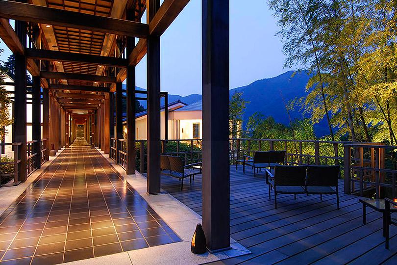 Страна восходящего солнца: отельер Ёсихару Хосино— отрадиционных рёканах, японских Альпах итатуировках якудзы