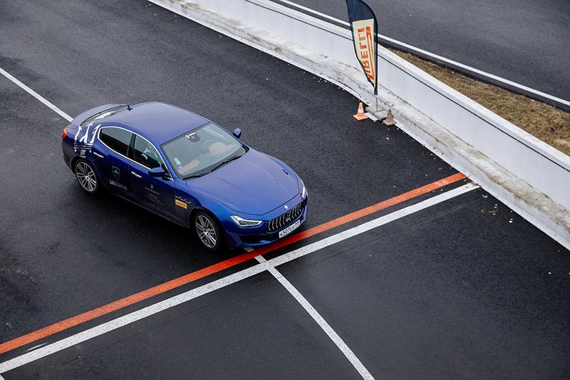Cars with Jan Coomans. Maseratis onADM Raceway— it's not winter aslong asthe track isstill black