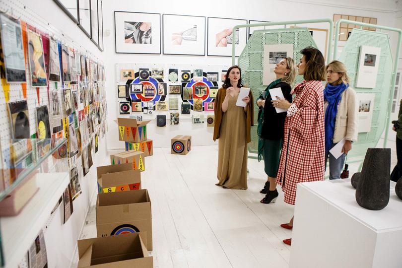 Московский музей современного искусства: разговор сАхматовой ипсиходелические импровизации
