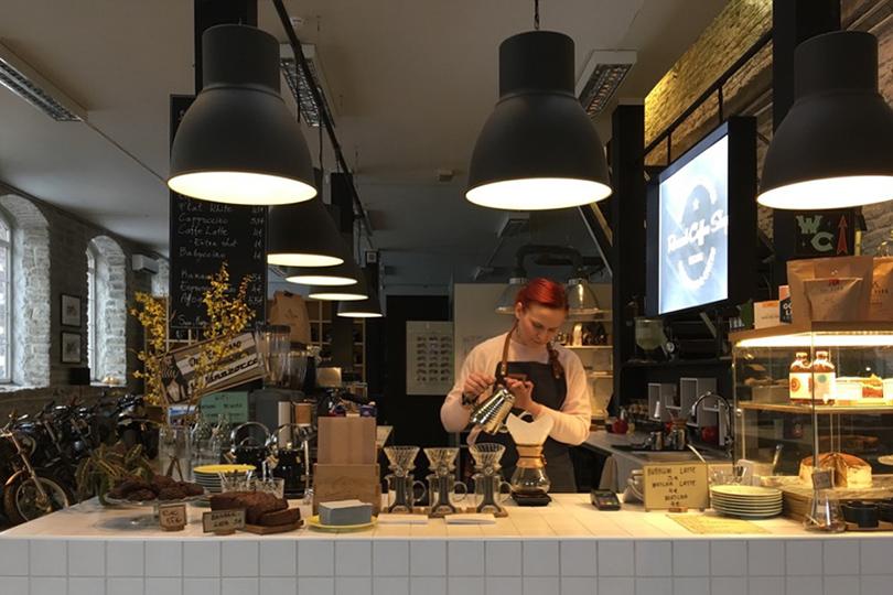 Идея наканикулы: Таллин. Renard Speed Shop & Coffee Shot