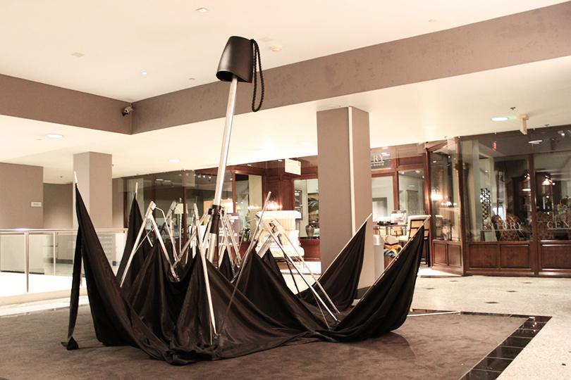 Джошуа Каллаган— «Двухдолларовый зонт»