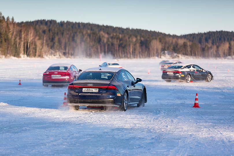 Авто с Яном Коомансом. Audi Quattro Winter Experience: A7 и Q8 на льду