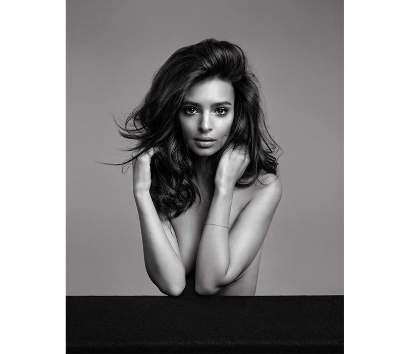 Засъемку новой рекламной кампании Kérastase отвечал голландский дуэт Inez &Vinoodh, имарка гордится работой фотографов
