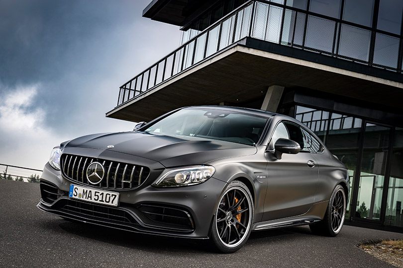 Cars with Jan Coomans. The new Mercedes-AMG C 63 reviewed on road and racetrack
