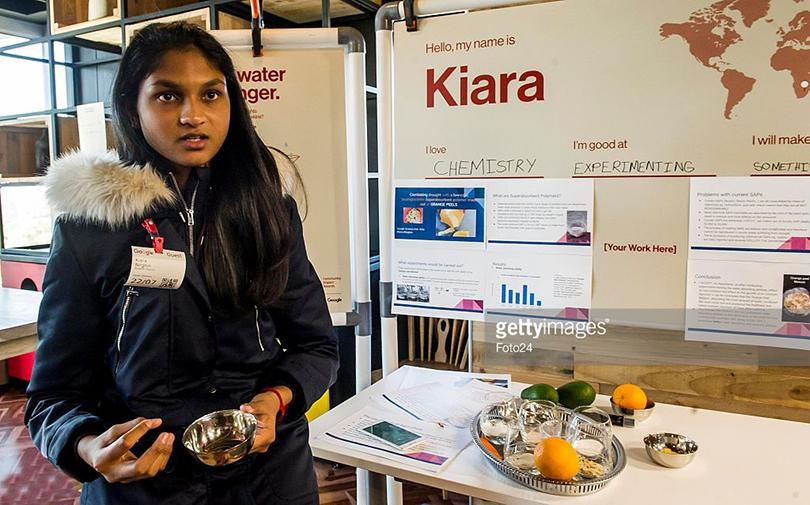 Posta Kid's Club: 30самых влиятельных подростков мира поверсии Time. Другое изобретение принадлежит 16-летней Киаре Нирджин из Йоханессбурга, разработавший суперабсорбирующий эко-полимер на основе кожуры апельсина и авокадо, способный сохранять воду в объеме, в несколько сотен раз превышающей его собственный вес
