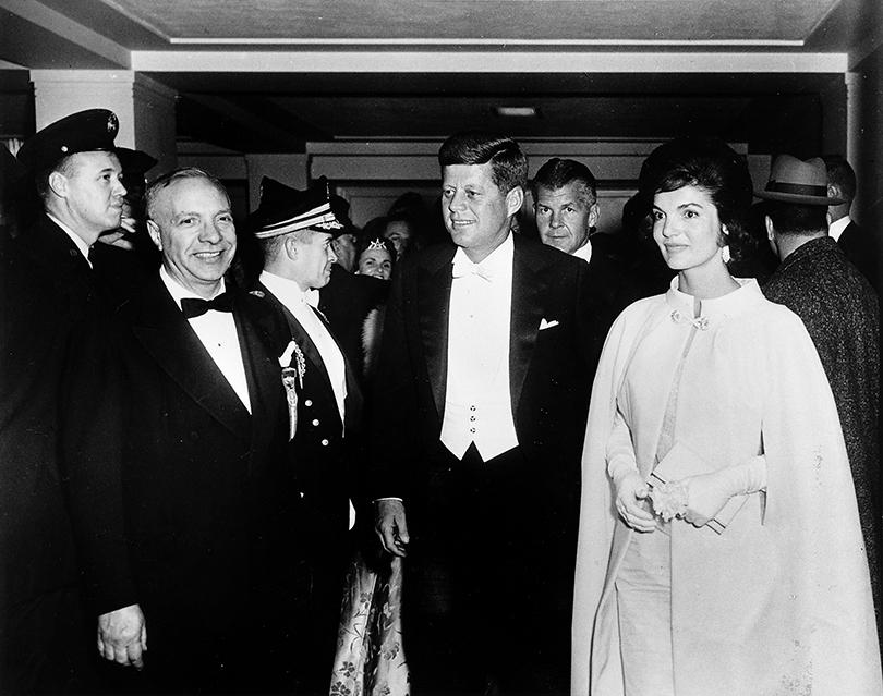 Style Notes: Натали Портман в роли fashion-иконы Джеки Кеннеди. Эволюция стиля Жаклин. Инаугурация Джона Фитцджеральда Кеннеди, 20января 1961г.