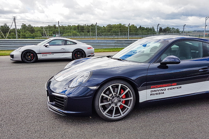 Cars with Jan Coomans: Porsche 911 Carrera 4S review on road and racetrack