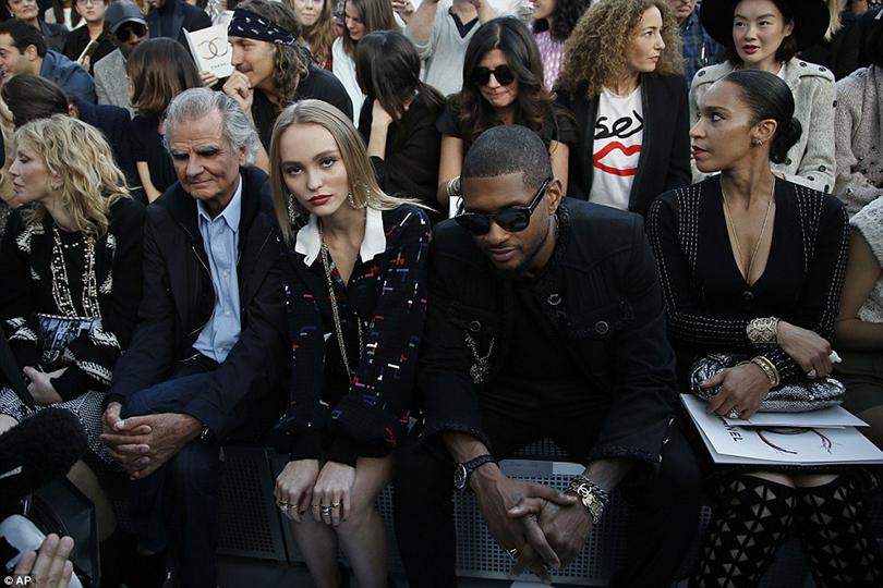 Style Notes: взгляд в будущее. Показ Chanel на Неделе моды в Париже. Лили Роуз-Депп и Ашер