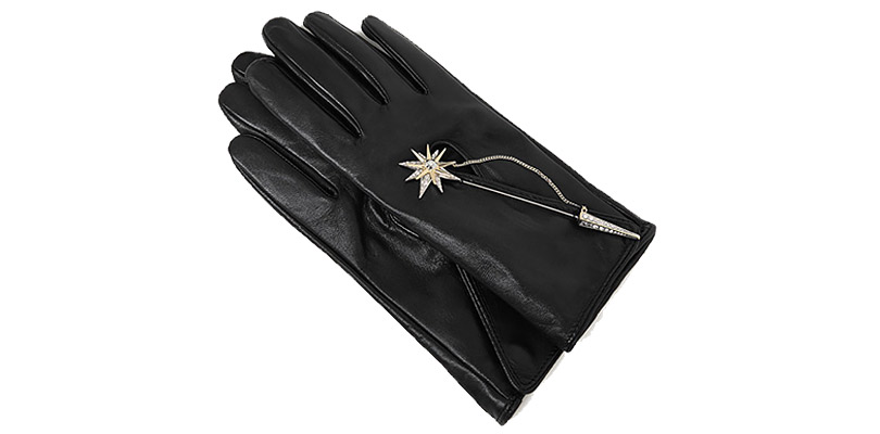 Новогодние подарки для миллениалов. Перчатки с декоративной деталью Uterqüe