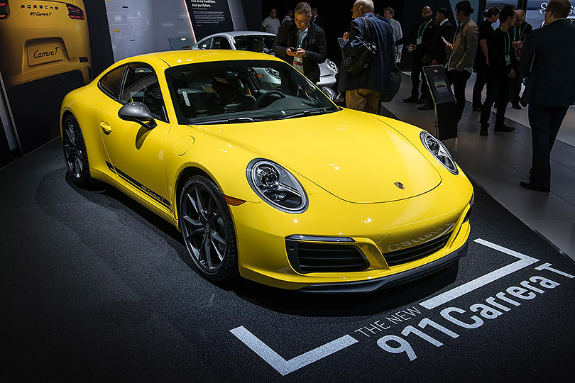 Cars with Jan Coomans. What's new atthe Los Angeles Motor Show. Porsche 911 Carrera T