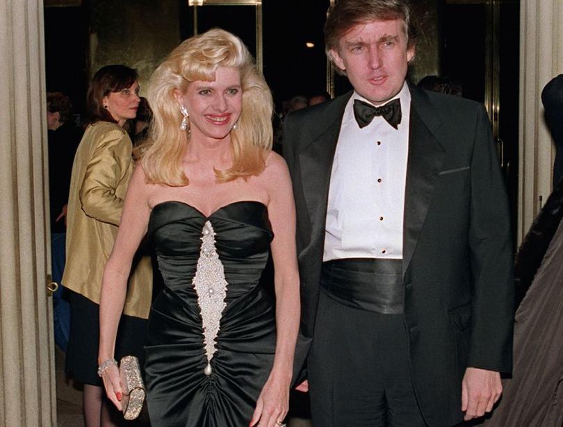 В1977 году Дональд Трамп женился начешской модели Иване Зельниковой