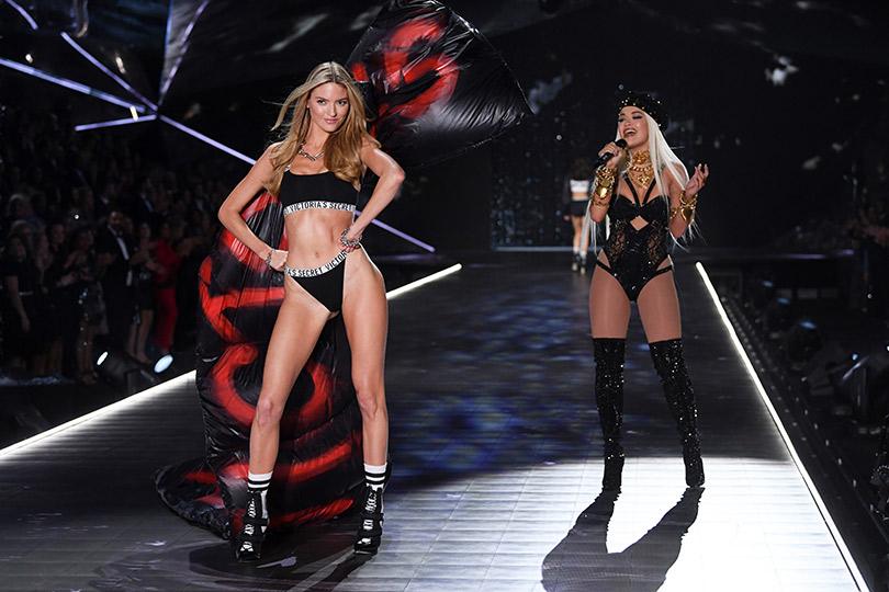 Как прошло шоу Victoria's Secret 2018: все самое интересное о главном показе осени. Марта Хант и Рита Ора