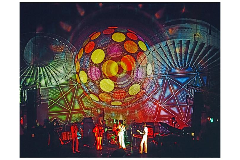 «Амстердам, волшебный город. Искусство иконтркультура 1967–1970»  Музей Стеделейк, Амстердам, Нидерланды