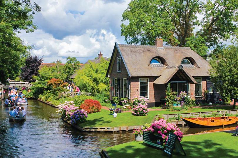 Планы налето: живописные города Европы, которые можно обойти пешком. Гитхорн, Нидерланды