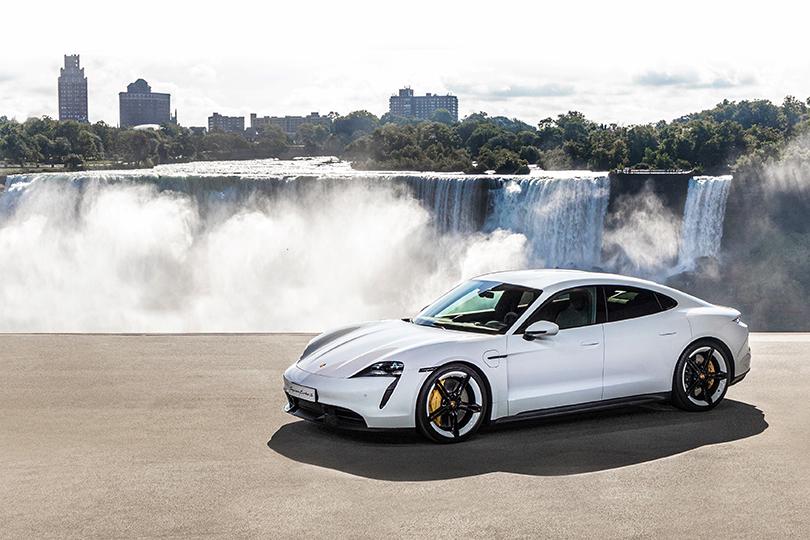 Авто с Яном Коомансом: Porsche Taycan — мировая премьера