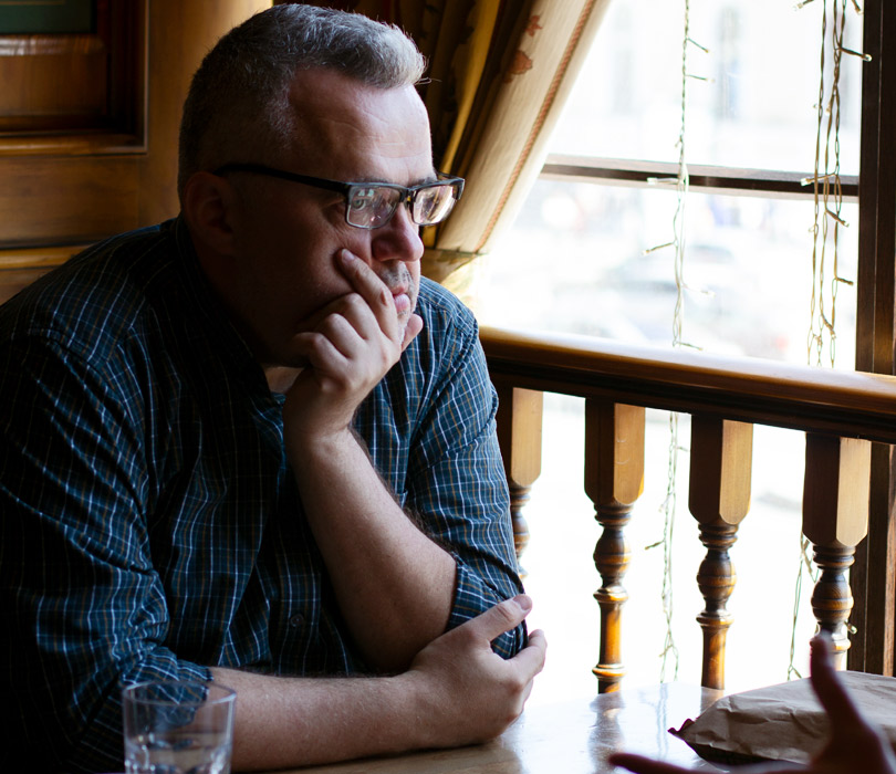 «Современность недается вруки»: Юрий Сапрыкин— обессюжетности настоящего илитературном каноне