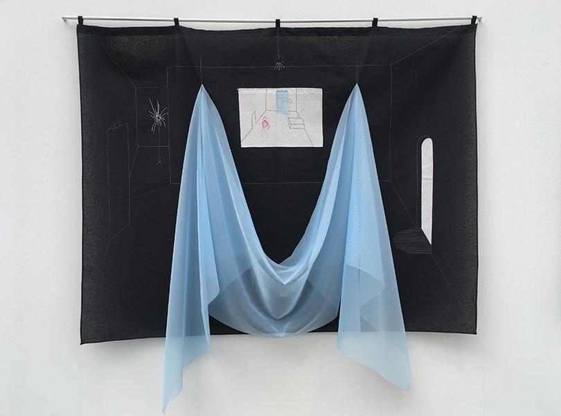 Работы Аси Маракулиной «Комната для игр» и «Бывшая комната» из проекта «Потайные швы» (2016 г.), коллекция Credit Suisse
