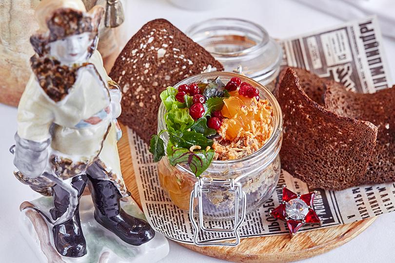 Как в ресторанах Москвы готовятся отмечать 23 февраля. Гранд-Кафе «Dr.Живаго»