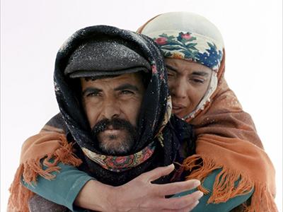 «Дорога»/ Yol (1982, Турция) Йылмаз Гюней  «Золотая пальмовая ветвь», приз Международной федерации кинопрессы ФИПРЕССИ