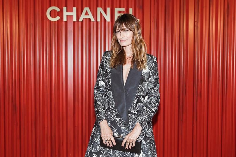 Показ Chanel Métiers d'art Paris— Hamburg вМоскве. Кэролайн де Мегрэ