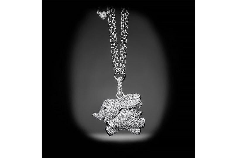 Слоненок Дамбо, перенесенный компанией Trifari издиснеевского мультика вмир драгоценностей