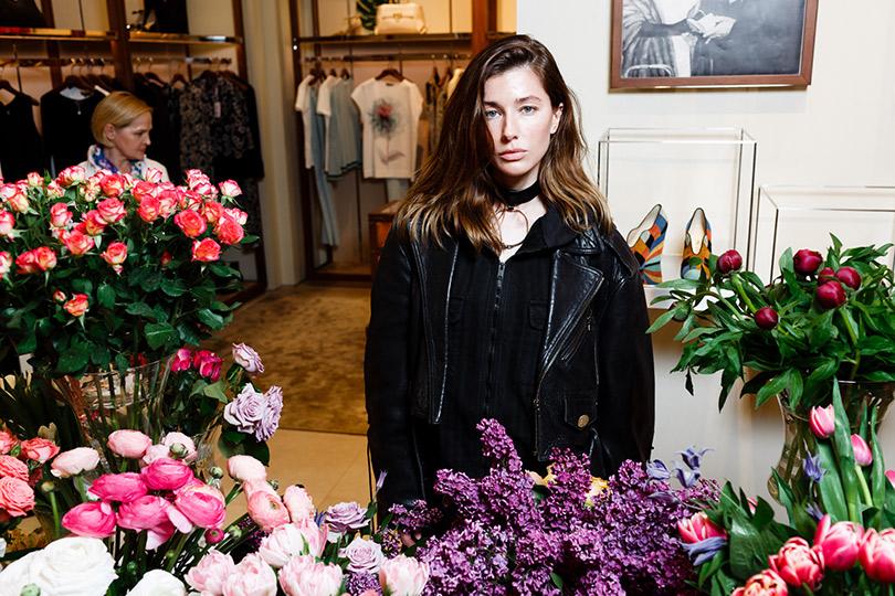 #FlowerInvasion: презентация весенне-летней коллекции Salvatore Ferragamo вмосковском бутике. Евгения Павлин