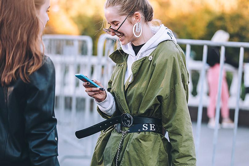 Лучшие street-style-образы сНедели моды Mercedes-Benz 2018в Москве