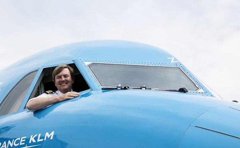 Король-самолет: нидерландский монарх 20лет тайно работал пилотом гражданской авиации