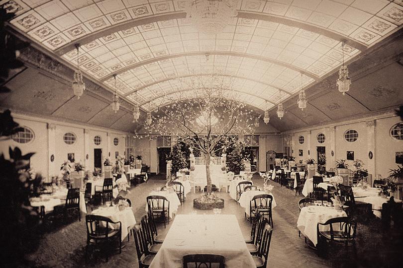 «Крыша» едет: вGrand Hotel Europe вСанкт-Петербурге снова открыли легендарный бальный зал
