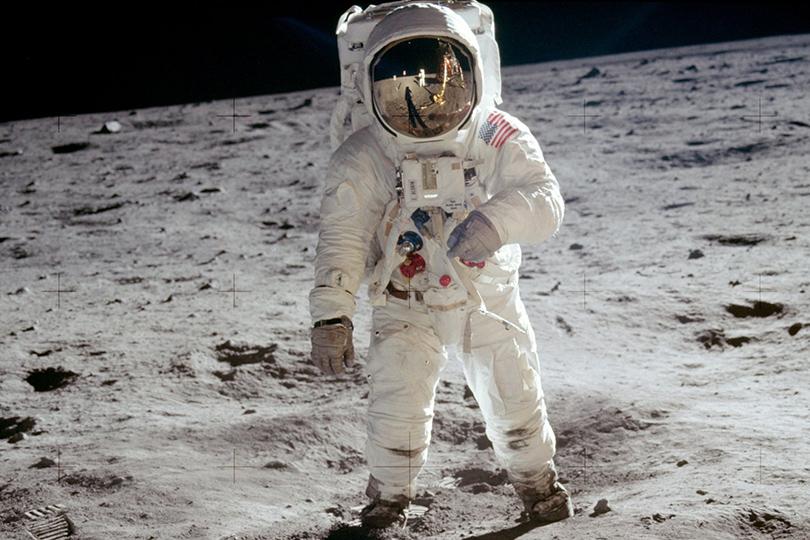 Космическое время: как «лунные часы» Omega Speedmaster стали символом успеха среди актеров, шеф-поваров имузыкантов
