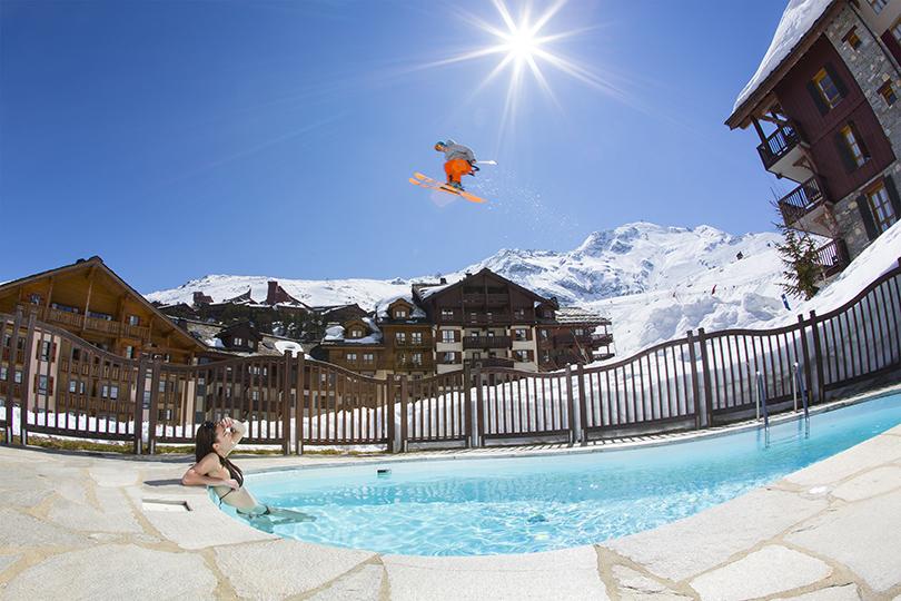 Идея на каникулы: где кататься на горных лыжах в мае