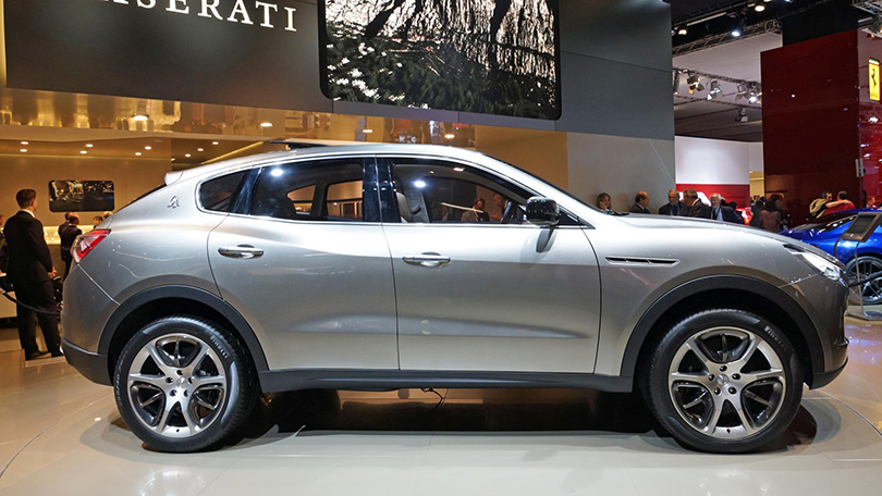 Авто с Яном Коомансом: революция внедорожников или зачем меняются SUV?  Если вы предпочитаете «итальянцев», вам будет интересно узнать, что Maserati уже подготовили запуск своего SUV Levante — уже в этом году. Хотя... не думаю, что вы захотите его купить, когда увидите, насколько он похож на китайскую копию.